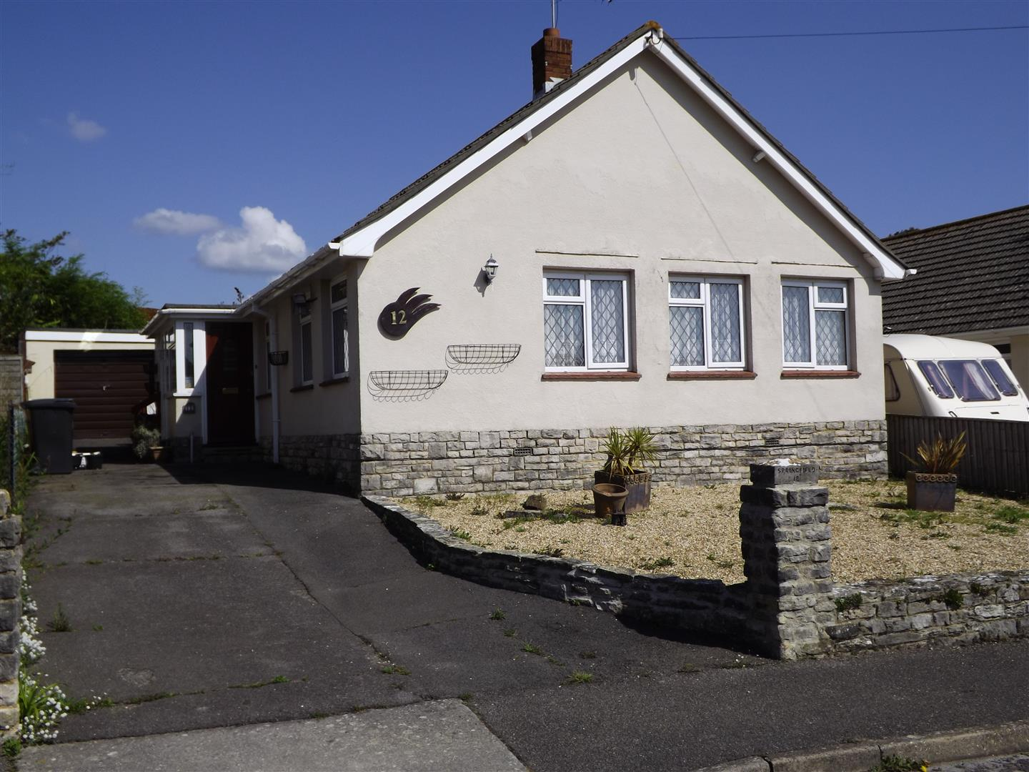 2 Bedrooms Detached Bungalow for sale in Prospect Crescent, Swanage